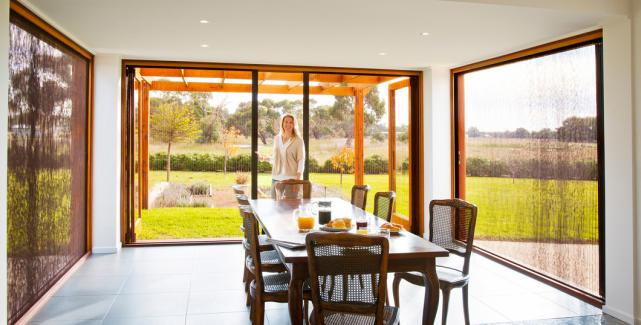Pleated & Integrated Retractable Pleated Screen Systems | LaCantina Doors pezcame.com
