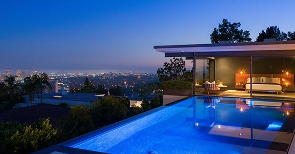 Matthew Perry's infinity pool and view of Los Angeles