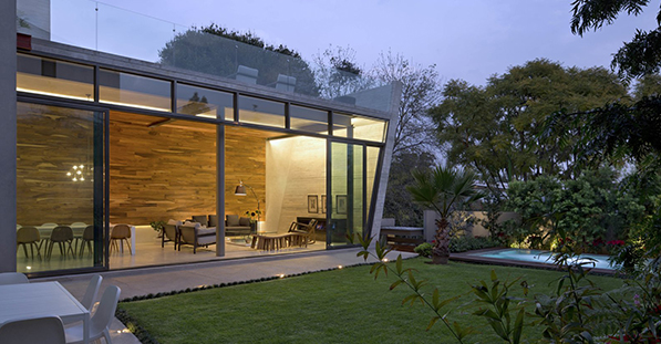 Modern Open-Plan Retreat in Mexico City