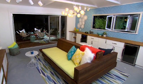 HOUSE CRASHERS: PALM SPRINGS POOL HOUSE